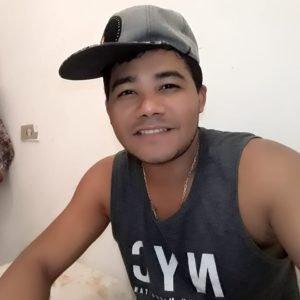 Nino Gonçalves Cria um canal no YouTube e mostra seu talento musical