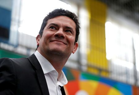 Moro diz que vai refletir se Bolsonaro o convidar para Ministério ou STF