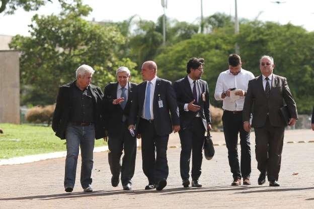 Conheça os nomes dos 27 integrantes de equipe de transição de Bolsonaro