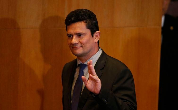 Após sua confirmação no governo, Moro estará hoje em Brasília