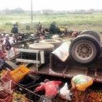 Caminhão tomba e deixa três mortos na BR 014, proximidades de Viana