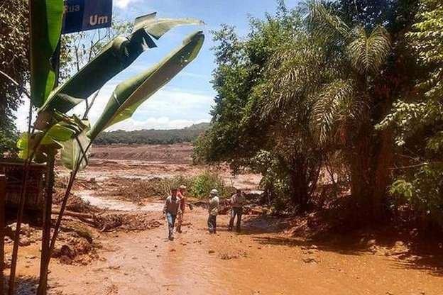 200 pessoas desaparecidas em Brumadinho, após rompimento de barragem