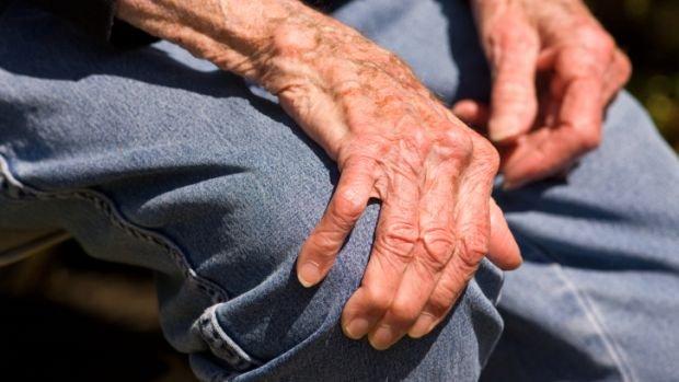 Mal de Parkinson, Proposta garante medicação e tratamento para portadores