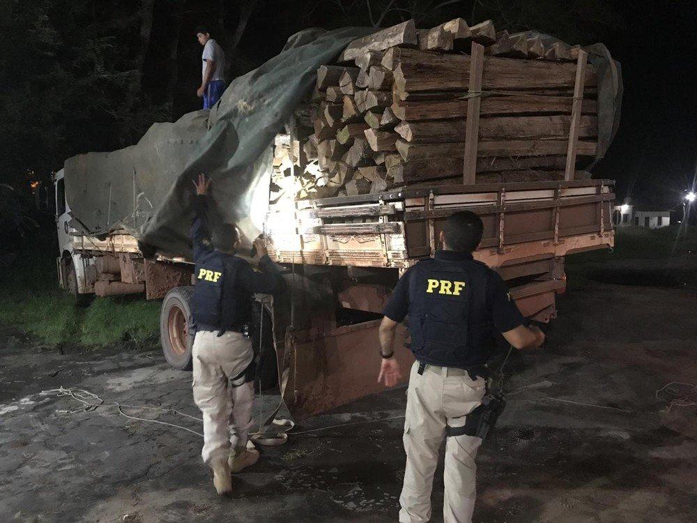 Carrada de madeira é apreendida em Santa Inés