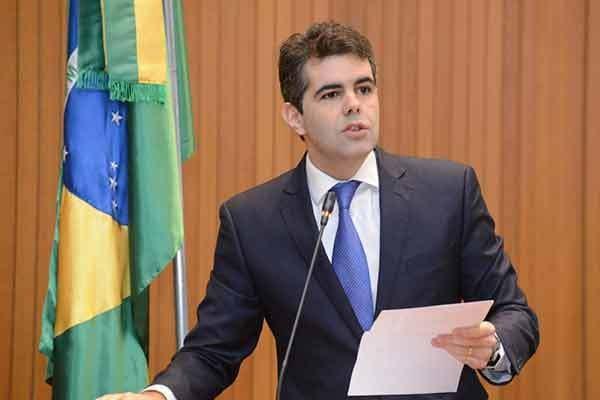 Adriano destaca nova cobrança de impostos no MA