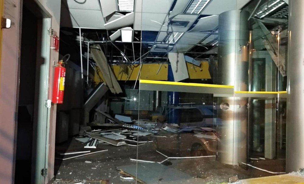 Bandidos explodem agência do Banco do Brasil, no Anil, em São Luís