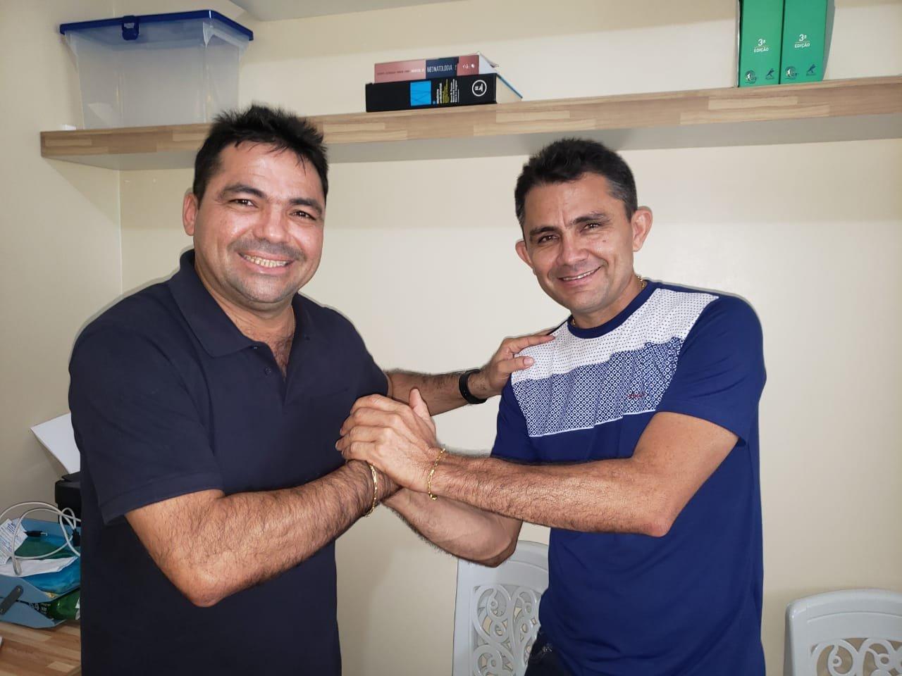 Ex-vereador Geto e sua esposa, a vereadora Lena  abandonam  Vilson Andrade e aderem ao grupo político do prefeito Toinho Patioba