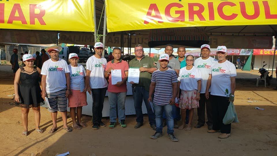 Gonçalves Dias foi Contemplada 8 barracas, 45 caixas de 25 kg, 1 caixas para transporte de frangos e 7 paletes na XVIII AGRITEC