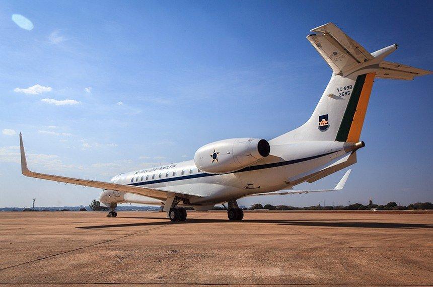 CRE discute regras mais rígidas para transporte aéreo de autoridades