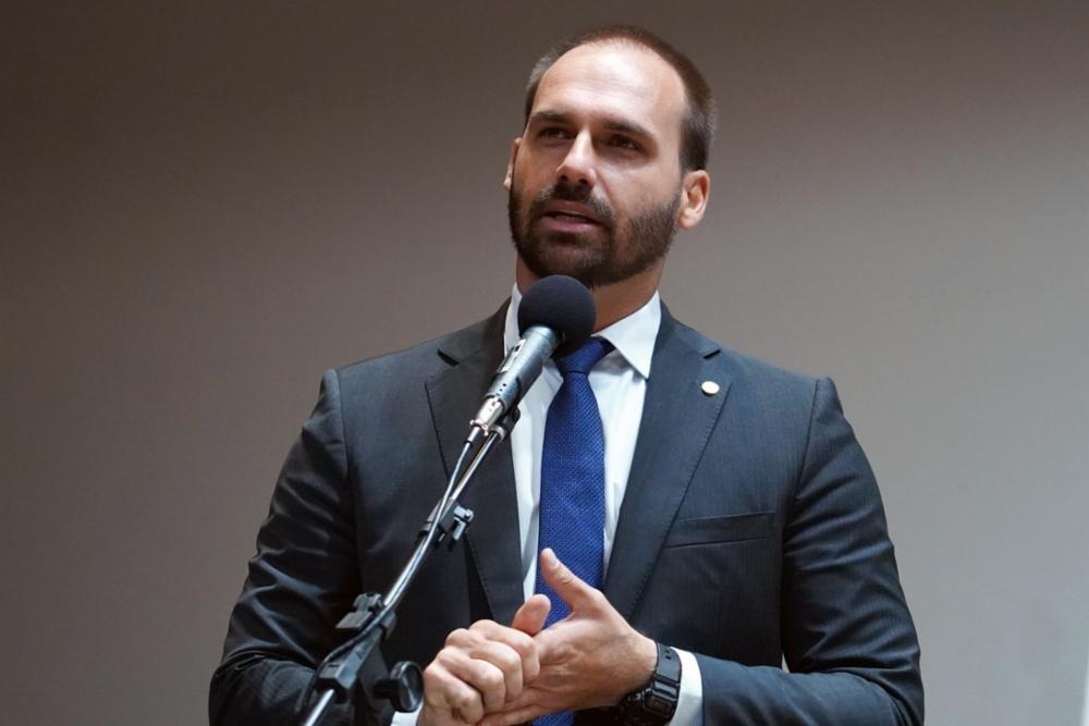 Procuradoria pede esclarecimentos da Justiça sobre nomeação de Eduardo para embaixada