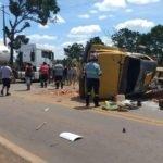 Motorista de carreta dormiu ao volante, invadiu a pista e atingiu caminhão carregado de telhas em Bacabal