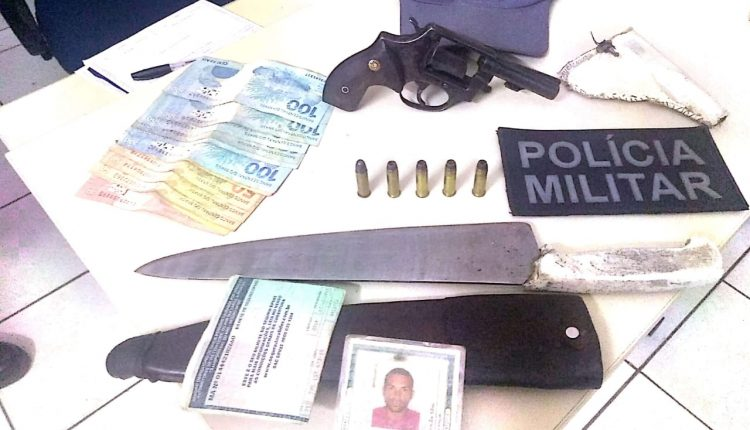 POLICIAIS MILITARES PRENDEM HOMEM POR PORTE ILEGAL DE ARMA DE FOGO, EM CAXIAS-MA