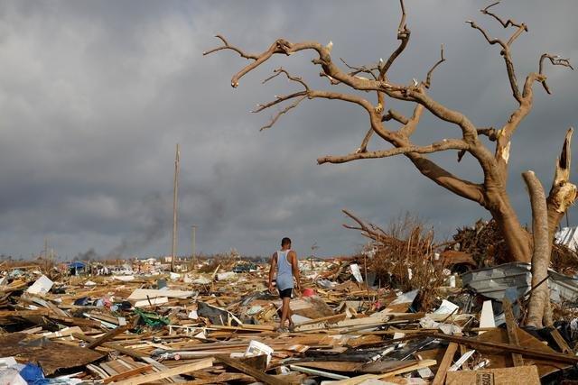 O furacão destruiu tudo nas ilhas Abaco, até a vontade de ficar dos sobreviventes