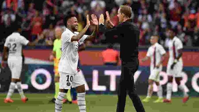"""Técnico do PSG elogia Neymar e diz: """"Temos de aceitar reação da torcida"""""""