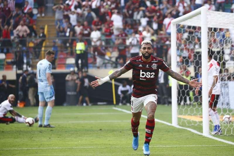 Flamengo vence River de virada com dois de Gabigol, é bicampeão da Libertadores