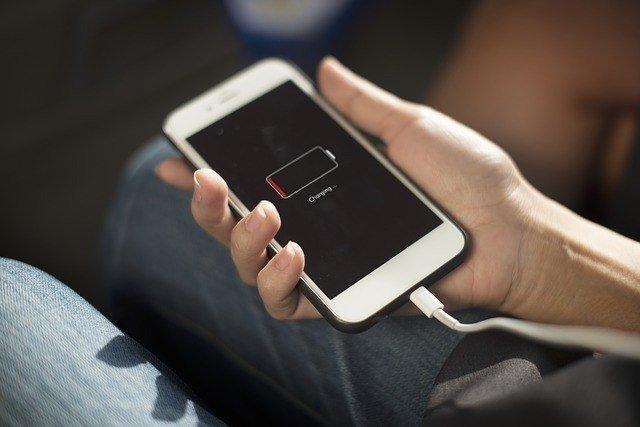 Conheça os mitos e verdades sobre a bateria do celular