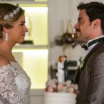 O noivo faz discurso emocionado e diz que se apaixonou à primeira vista. Acompanhe as cenas nos próximos capítulos da capítulos, 'A Dona do Pedaço'