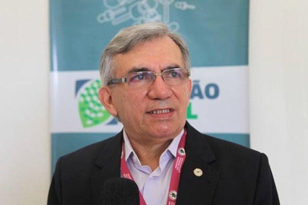 Bolsonaro nomeia Natalino Salgado para reitor da UFMA