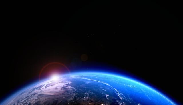 O norte magnético da Terra move-se a uma velocidade sem precedentes em direção à Rússia