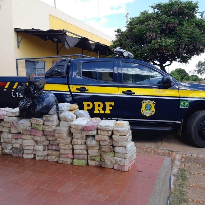 PRF encontra 244,5 kg de pasta base de cocaína escondidos dentro de carreta no Sul do Piauí