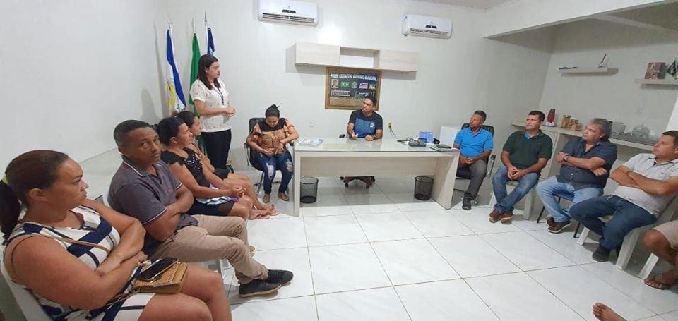 Prefeito Toinho Patioba, secretários e assessores participaram de uma reunião com o SEBRAE, com o propósitos de implantar  a  sala do empreendedor em Gonçalves Dias