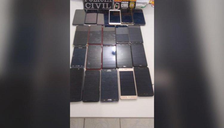 POLÍCIA CIVIL EM CAXIAS APREENDE 21 CELULARES ROUBADOS