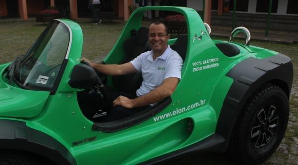 Paraná tem primeiro veículo 100% elétrico a ser fabricado em série no Brasil