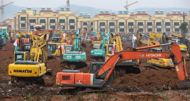Surgem FOTOS da construção em tempo recorde de hospital chinês para tratar coronavírus