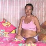 """""""ESSE É O NOSSO BRASIL"""" Sem as mãos e as pernas, mulher tem auxílio do INSS negado por não assinar o papel"""