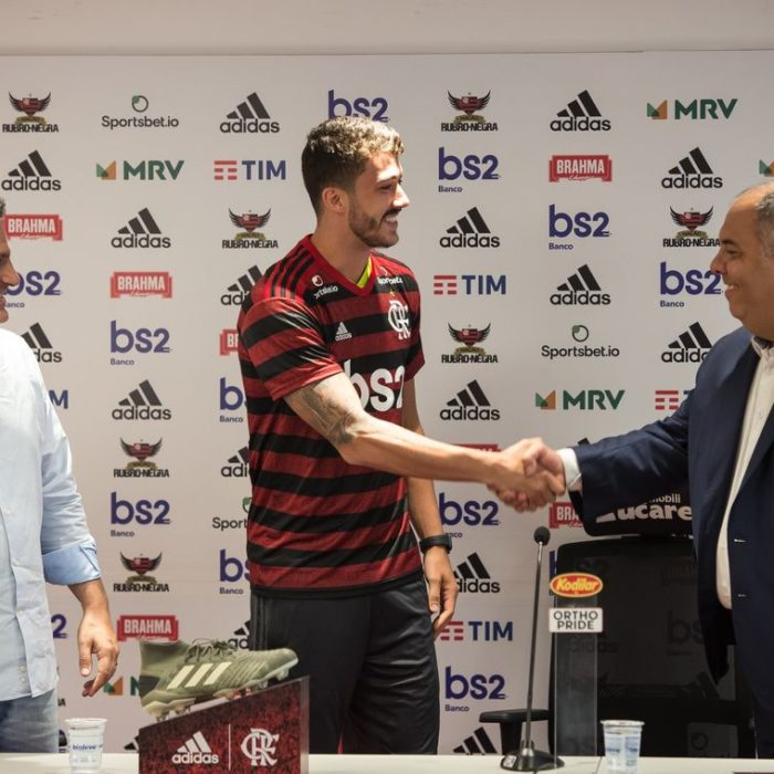 Flamengo apresenta novo reforço da temporada: Gustavo Henrique