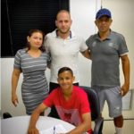 Jovem de Presidente Dutra MA, Weslley Patati, assina primeiro contrato profissional com o Santos,  455 milhões de reais