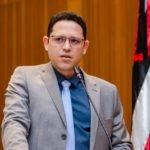 Ciro Neto solicita redutores de velocidade e ônibus escolares para Presidente Dutra