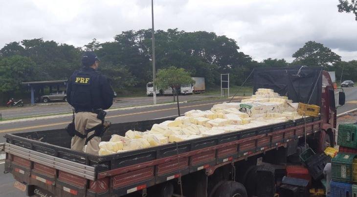 Em Caxias,  5.005 kg de queijo são apreendidos