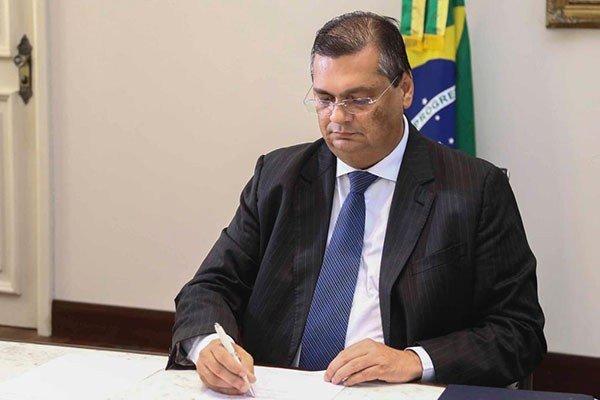 Flávio Dino prorroga suspensão das aulas no MA