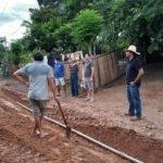 Prefeito Toinho Patioba leva água encanada aos moradores do povoado centro do Gato