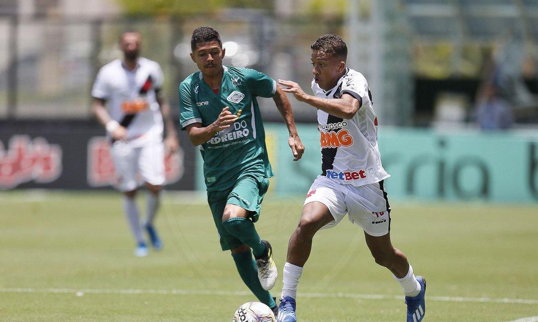 Federação de Futebol do Rio convoca novo arbitral para segunda-feira
