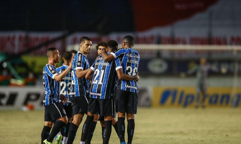 Jean Pyerre garante vitória do Grêmio sobre Internacional