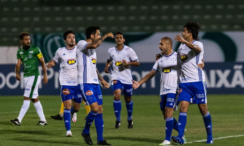 Série B: Cruzeiro vence Guarani por 3 a 2 fora de casa