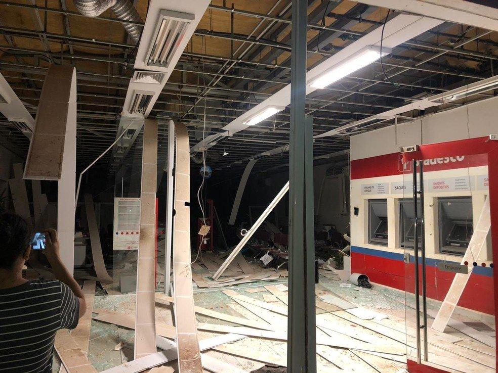 Bandidos explodem agência bancária em São João do Carú MA