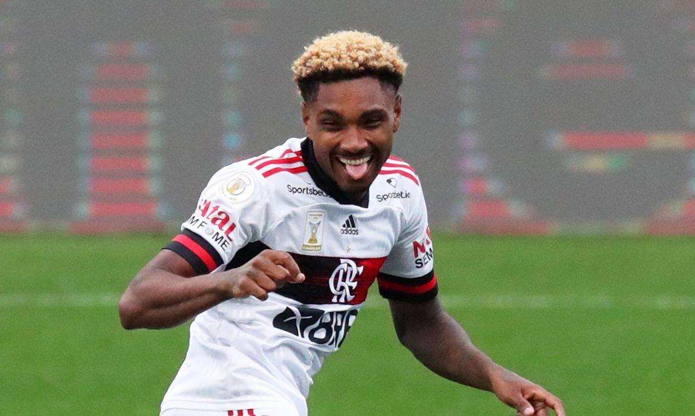 Flamengo goleia Corinthians no Itaquerão