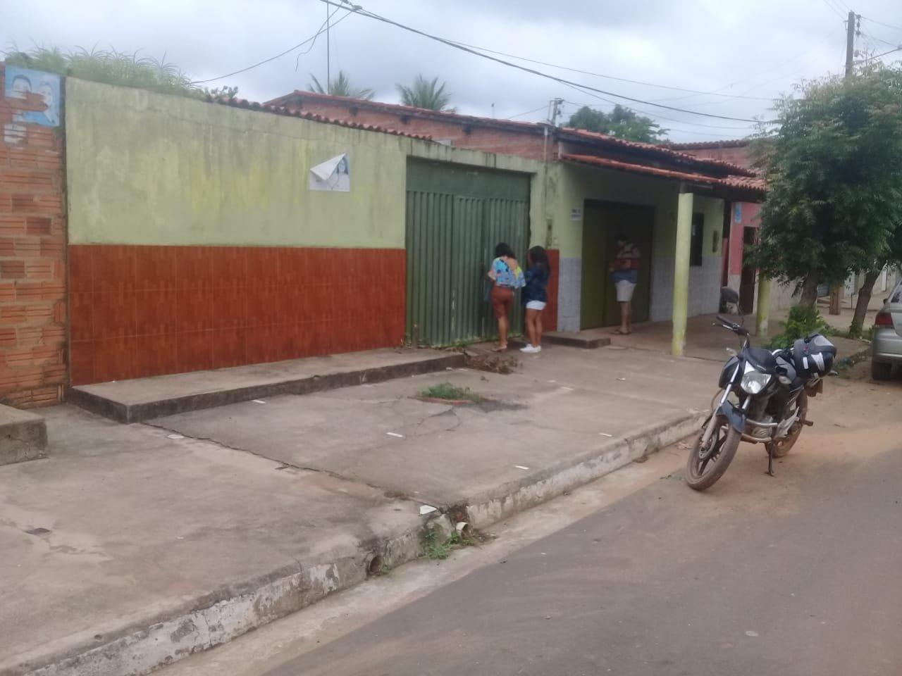 Linda residência a venda no povoado  Olho D'agua Do Seco em Gonçalves Dias - MA
