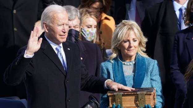 'A democracia prevaleceu', diz Joe Biden ao tomar posse como presidente dos EUA