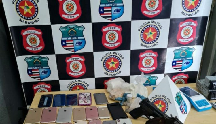POLICIAIS DO 3º BPM E CTA PRENDEM SUSPEITOS DE ASSALTO COM ARMAS DE FOGO E DROGAS EM IMPERATRIZ
