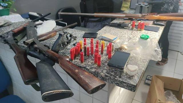 15° BPM APREENDEU SETE ARMAS DE FOGO E PRENDEU SUSPEITOS DE ORGANIZAÇÃO CRIMINOSA