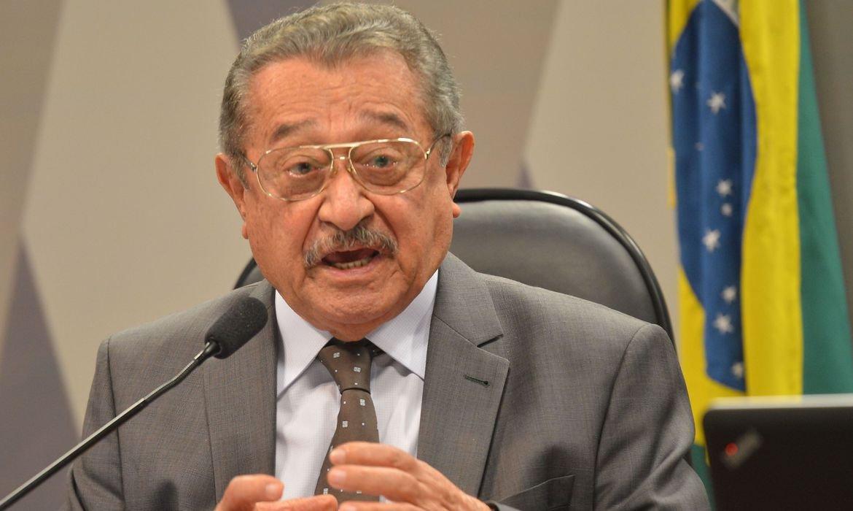 Morre aos 87 anos de covid-19, o senador José Maranhão