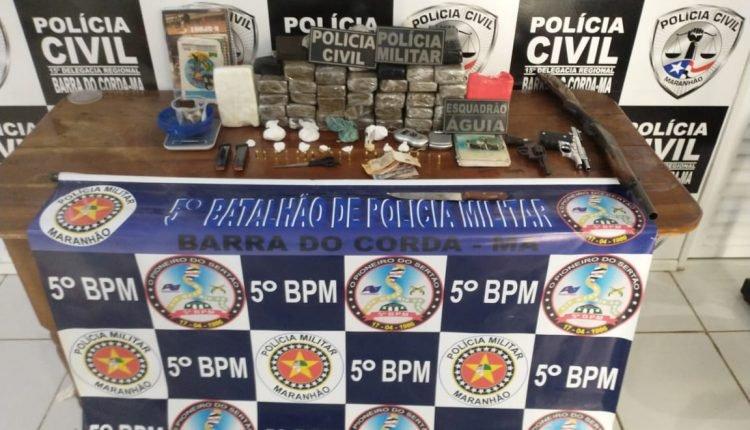 AÇÃO CONJUNTA DAS POLÍCIAS MILITAR E CIVIL PRENDE HOMEM COM ARMAS DE FOGO E DROGAS EM BARRA DO CORDA