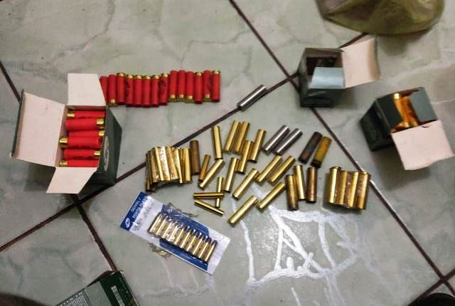 POLÍCIA MILITAR PRENDE HOMEM COMERCIALIZANDO ARMAS E MUNIÇÕES NA CIDADE DE GOVERNADOR NUNES FREIRE