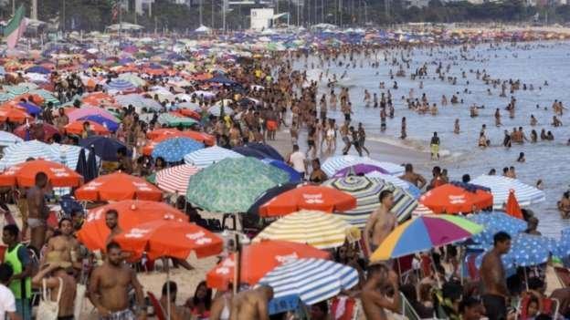 Por que vacinação sem lockdown pode tornar Brasil 'fábrica' de variantes superpotentes