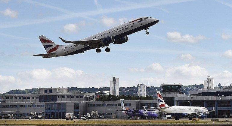 Covid-19, nesse ranking o Brasil está empatado com a Africa do Sul, dezessete países do mundo proíbem a aterrissagem de voos que sairam do país