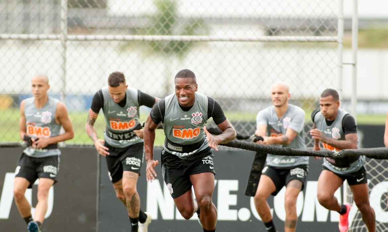 Corinthians sofre surto de covid-19 um dia antes de jogo com Palmeiras, oito jogadores e 11 funcionários foram contaminados